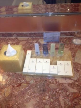 Prince Hotel (Marco Polo Hotels): lovely toiletries replenished daily