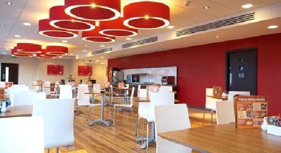 Travelodge London Stratford: Bar Cafe
