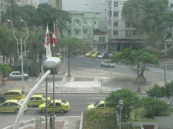 Augusto's Rio Copa Hotel: View from 3rd floor street-side room