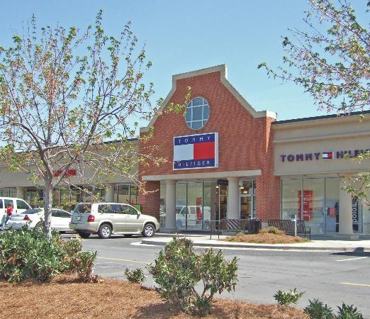 Calhoun Outlet Marketplace