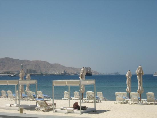 Kempinski Hotel Aqaba Red Sea: Hotel Beach