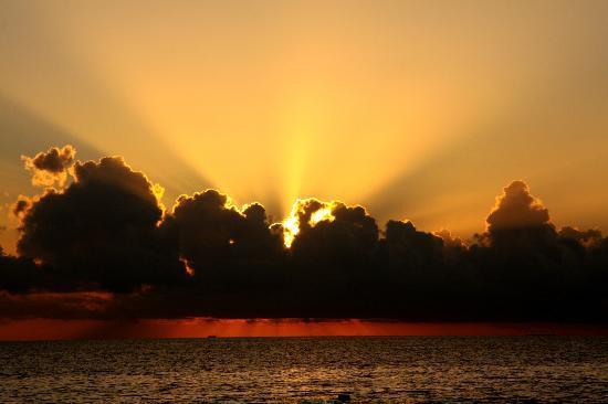 Reethi Beach Resort: Couché de soleil