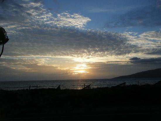 Maui Sunseeker LGBT Resort: An example of the glorious sunsets on Maui
