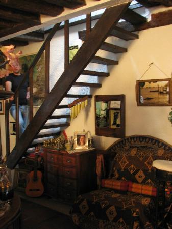 LA LOMBARDE : Лестница в номер
