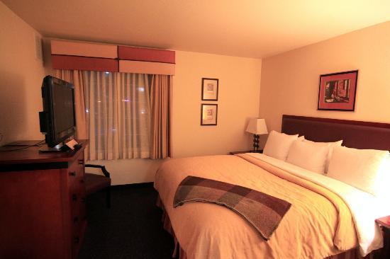 Larkspur Landing Sunnyvale: Bedroom 