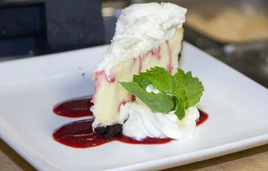 Atlantica Restaurant: Raspberry Swirl Cheesecake