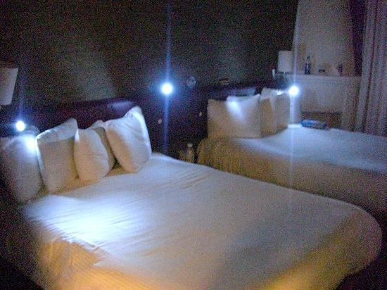Chesterfield Hotel: Bett
