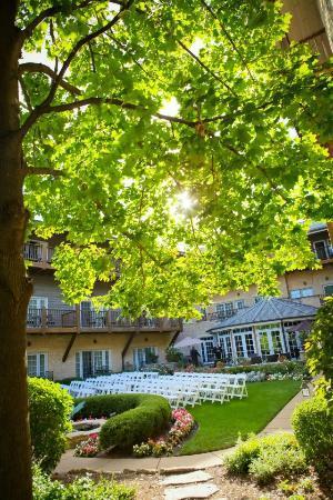 The Herrington Inn & Spa: Courtyard - Colin Lyons Photography 
