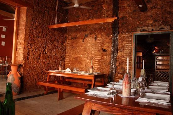 Cubita Restaurant Bar Santander : The unique look inside the restaurant.