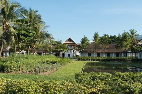 Sofitel Luang Prabang Hotel: Courtyard