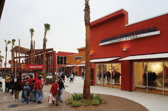 Mercedes, TX: Rio Grande Valley Premium Outlets