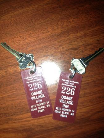 Osage Village Inn: still use keys