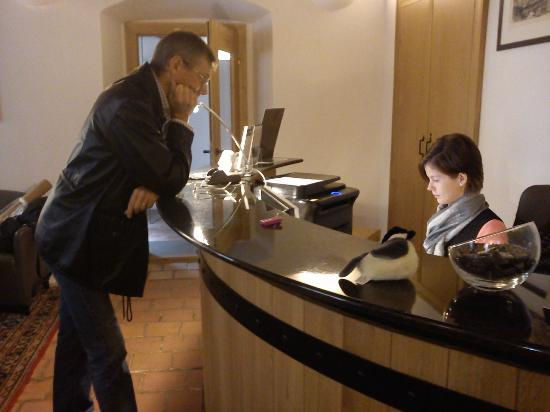 Hotel U Zeleneho hroznu (Hotel At the Green Grape): Karin, the super-friendly receptionist!
