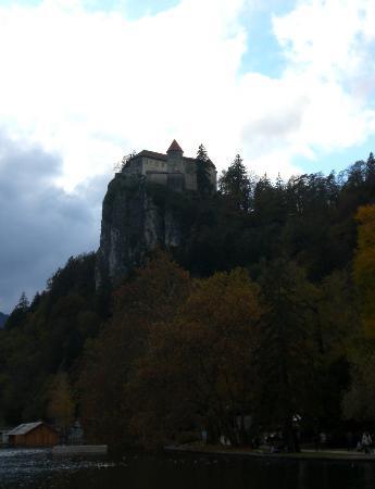 Hotel Jelovica Bled: vista del castello