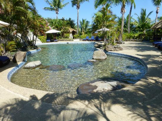 Wananavu Beach Resort: Great pool