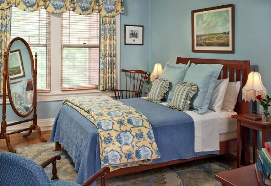 B.F. Hiestand House Bed & Breakfast: Blakemore Room