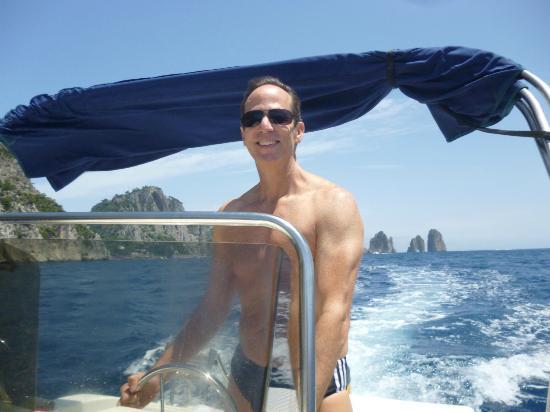 Banana Sport Capri Boat : Dando a volta em Capri