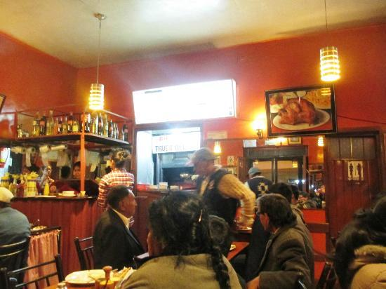 Hospedaje Turistico Recoleta: Truca de Sabor chicken rotisserie across the street. Yum.
