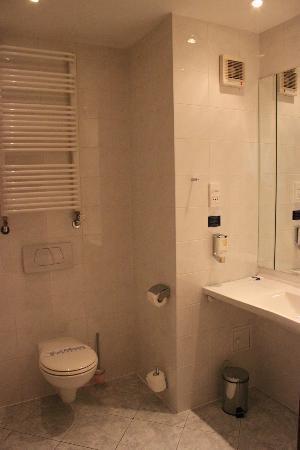 Warminski Hotel & Conference: Bathroom