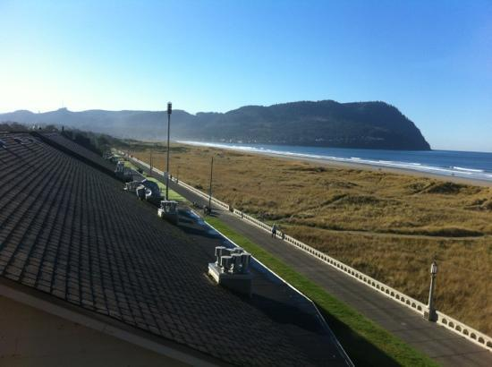 Seaside Oceanfront Inn: north window view