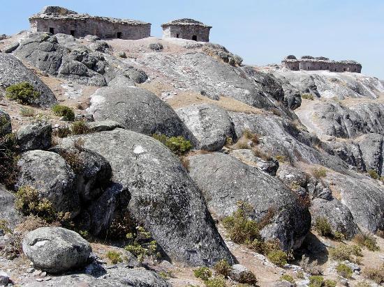 Marcahuasi: Prä-inkaische Gebäude