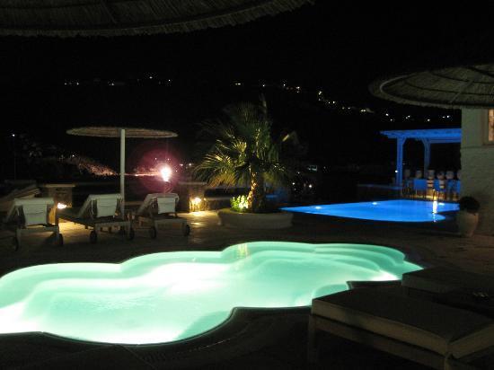 Nissaki Boutique Hotel: Área da piscina