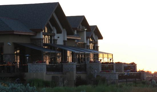 Canyon Crest Dining & Event Center: Canyon Crest at sun set