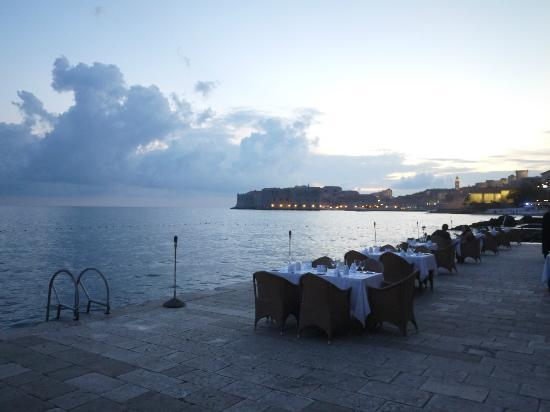 Hotel Excelsior Dubrovnik: View from Prora located at private beach