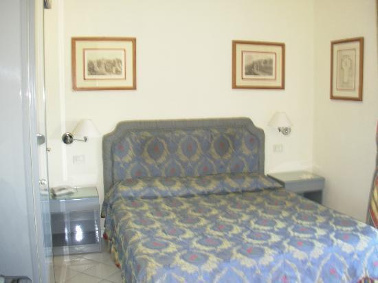 Hotel Italia: cama