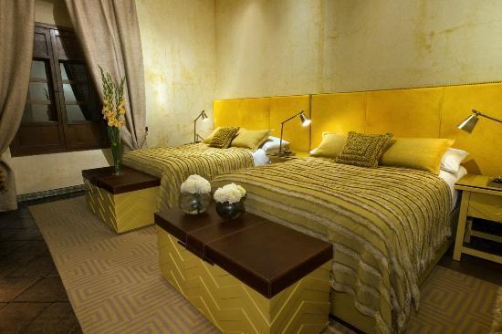 Mil Flores Luxury Design Hotel: Habitacion Los Lirios