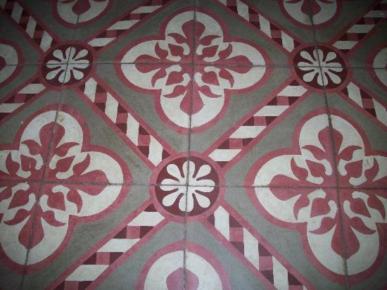 The Palace Hostel: Tile Floor