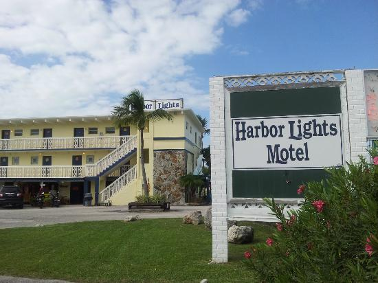 Harbor Lights Motel: Here's what you see from the road, on the east side of Hwy 1