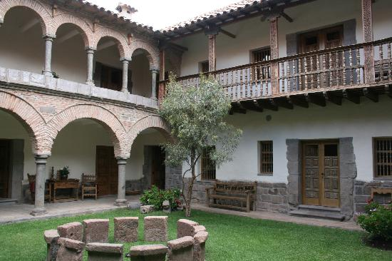 Inkaterra La Casona: hotel and courtyard