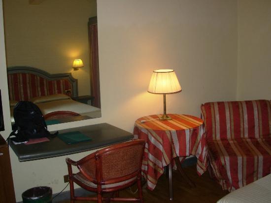 Hotel Unicorno: detalle habitación