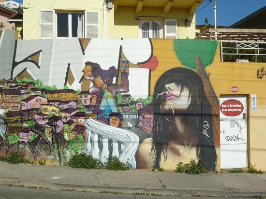 Cerro Concepción: eines von vielen grafitti: Gemeinschaftswerk ?