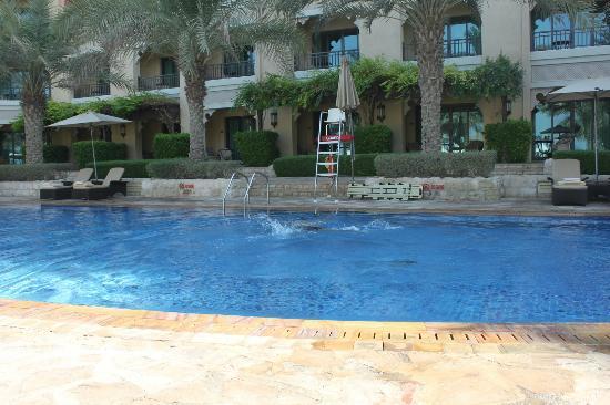 Shangri-La Hotel, Qaryat Al Beri, Abu Dhabi: The pool