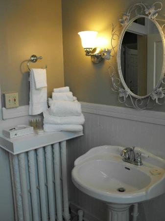 Cumberland Inn and Spa: Bathroom