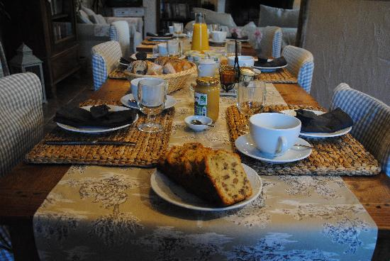 Les Chambres de la Loge: le petit déjeuner
