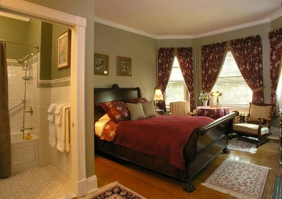 B.F. Hiestand House Bed & Breakfast : Victoria Room