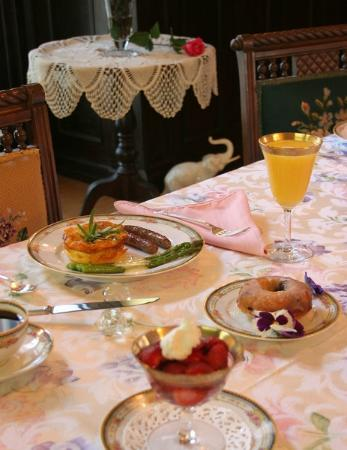 B.F. Hiestand House Bed & Breakfast: Who wants breakfast?