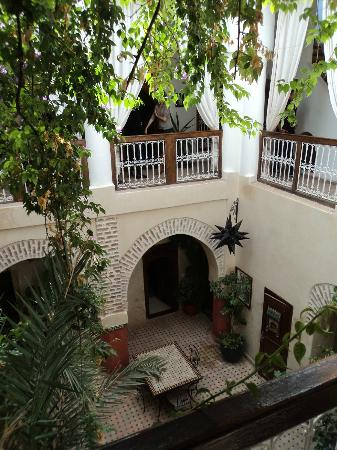 Riad Dar Palmyra: le patio de jour