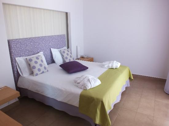 Lindos Mare Hotel: main bedroom