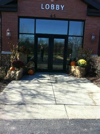 Extended Stay America - Madison - Old Sauk Rd.: Front enterance