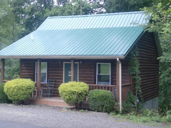 Russell Springs, KY: Loft Cabin with Hot Tub