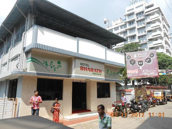 Hotel Bharath-Chembotil Road-Thrissur (near Vadakkumnattan Temple)