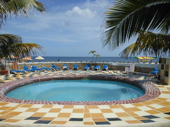 Samsara Cliff Resort: Pool