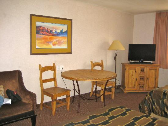 Aarchway Inn: Spacious room