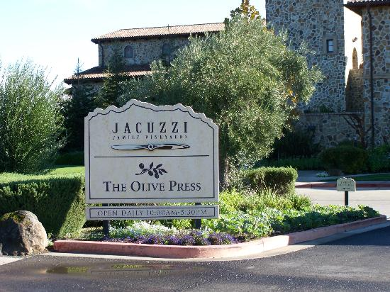 Napa Valley Wine Country Tours: Jacuzzi Vineyard
