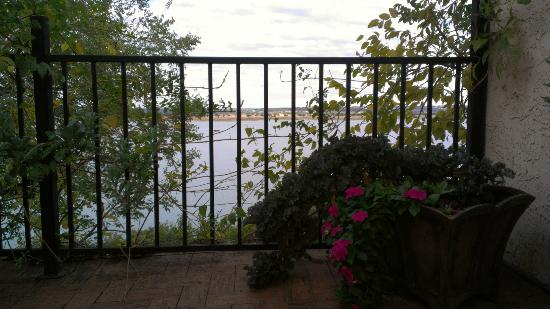 The Lakehouse Bed and Breakfast: Balcony view from the Metropolitan