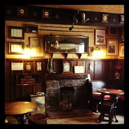 The Clachan Inn: Public bar
